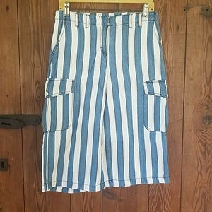 Blue and white cargo style capris